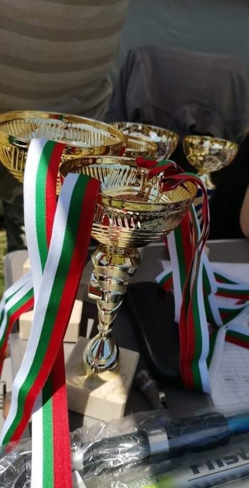 Седмокласничка с награда от турнир по спортен риболов