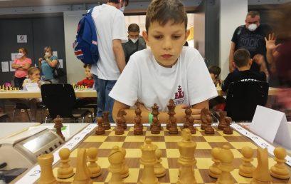 Третокласникът Теодор Тутеков – осми в ЕС по шахмат